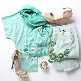 Style Guide: Mint & Nude