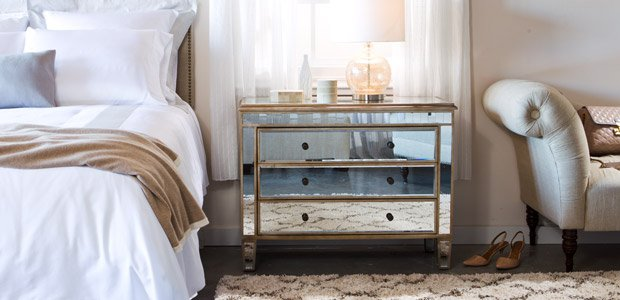 Chic Sleep: Tufted & Mirrored Bedroom Furniture