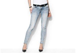 Shades of Spring: Lightwash Jeans