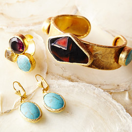 Dare to Dazzle: Women's Jewelry