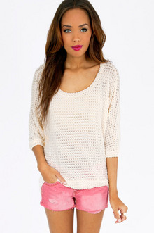 SOFTLY CROCHETED TOP 30