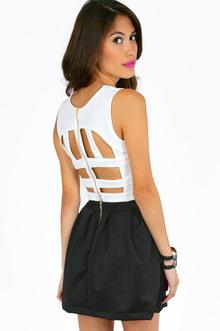 CUT OUT CROP TOP 25