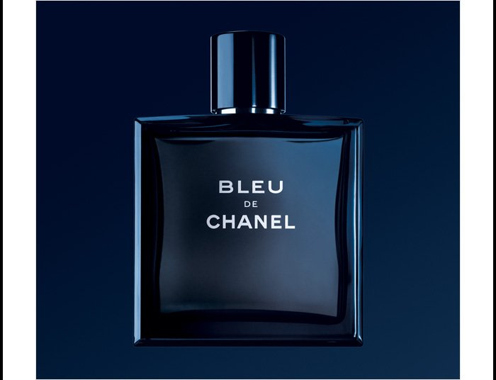 AN EXCEPTIONAL GIFT For the man who defies convention, a fresh, clean, profoundly sensual fragrance.