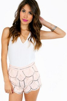 OUTLINING SEQUIN SCALLOP SHORTS 43