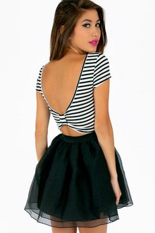 SCOOPING STRIPE BOW CROP TOP 22