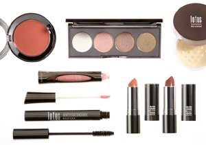 Get Glowing: Summer Makeup