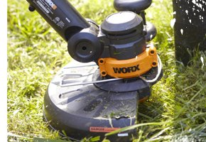 Worx 10-in Cut Cordless String Trimmer and Edger