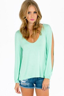 VANNA V-NECK TOP 26