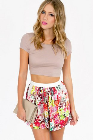 MAY FLOWERS SHORTS 37