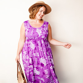 Free Flowing: Plus-Size Apparel