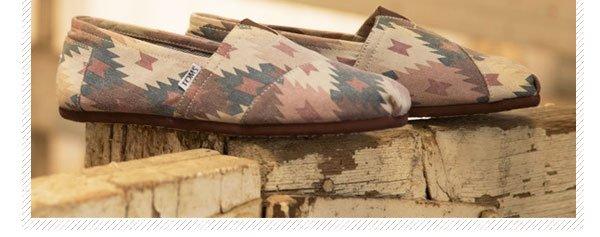 Brown Tribal Print Men's Classics