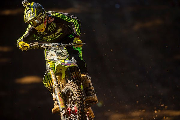 troy lee designs  troy lee designs    lucas oil    honda team spotted in the woods of the