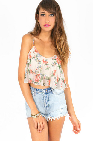 GO WITH THE FLORAL TOP 21