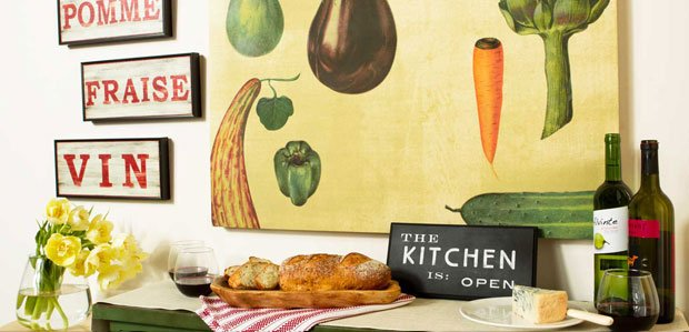 The Country Kitchen: Provincial-Style Décor & More