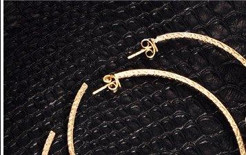 2.1 Ct Diamond and 18k Gold Hoop Earrings