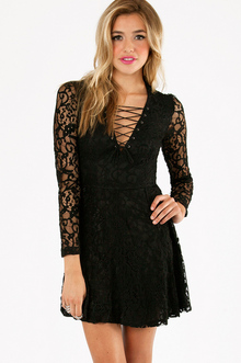 LACE IT UP DRESS 30
