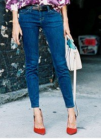 Editor-Tested! 10 Jeans That Make You Look Skinnier