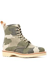Dr Martens Beckett 8-Tie Boot in Camo Canvas
