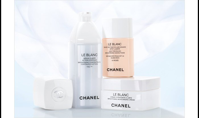 NEW WAYS TO GLOW Reveal your radiance with the new oil-gel makeup remover and brightening makeup base from LE BLANC.