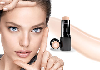 Emily DiDonato wears Fit Me Shine-Free foundation.