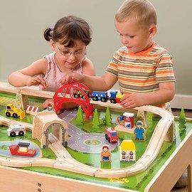 Choo Choo: Wooden Trains & Tracks