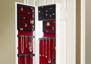 Get Organized: Jewelry Storage