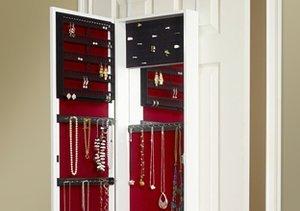 Get Organized: Jewelry Storage