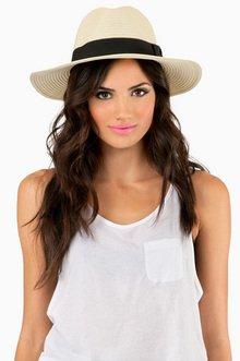 FLASHIN THE PANAMA HAT 16