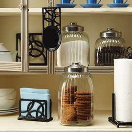 Neat & Tidy: Organized Kitchen
