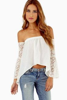 LOOKING FOR LACE TOP 29