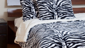 Stylish Throws & Pillows