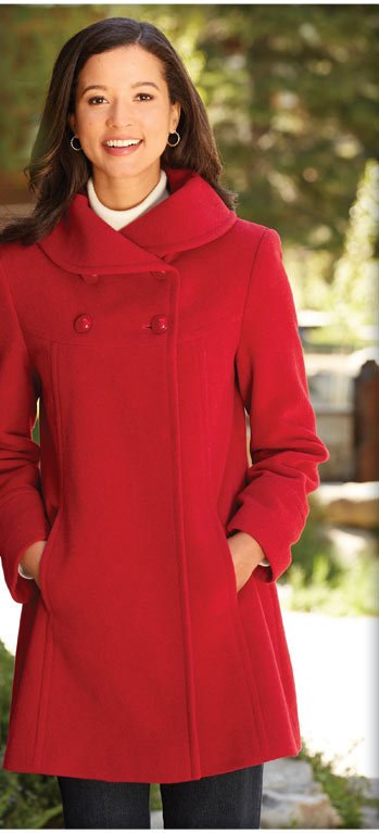 Visit our collection of flattering, feminine coats and find a perfect new way to stay warm this season.