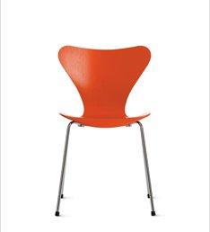 SERIES 7TM CHAIR (1955) Designed by Arne Jacobsen for Fritz Hansen
