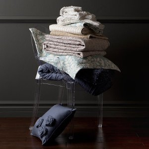 Snuggle Up to Fall: Cozy Quilts & Coverlets