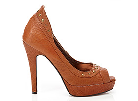 157230-hep-so-chic-shoes-10-25-13_two_up