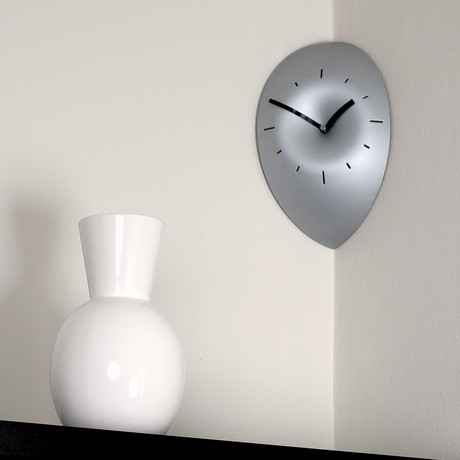 SLICE Corner Clock