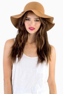 FINDING CARMEN HAT 29