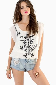 VEZ VERONICA EMBROIDERED TOP 35