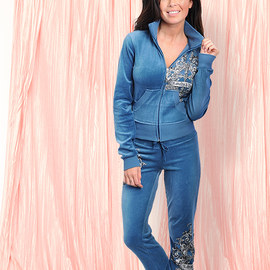 Take it Easy: Women's Loungewear