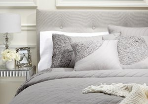 Cozy Texture: Bedding by Darzzi