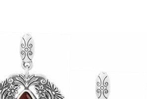 Rouge Lace post drop earrings