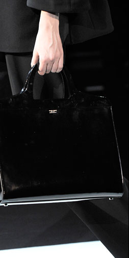 LUXE-À-PORTER The purse as the key to unlock every look