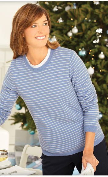 As timeless as it is luxurious, our essential cashmere crewneck simply fits any occasion.