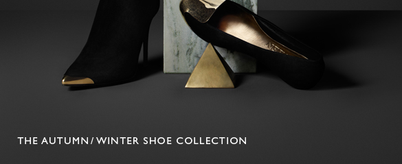 Metal Cap Shoes From The Autumn/Winter Collection: Enjoy complimentary shipping