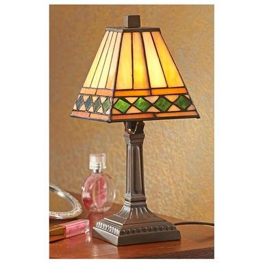Tiffany-style Accent Lamp