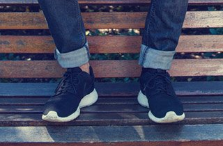 Jeans & Sneakers