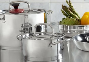 Eat & Sleep: Stainless Steel Kitchen