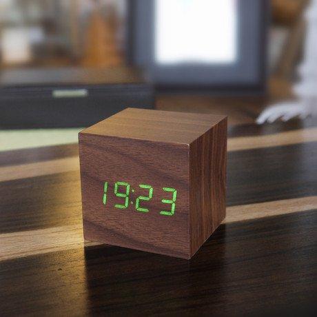 Cube Click Clock Green LED // Walnut