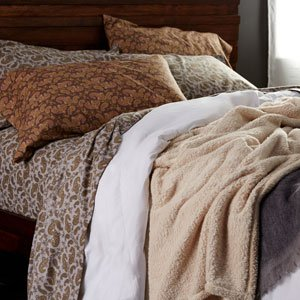 Stay in Bed All Day: Cozy Flannel Sheets & More
