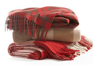 Cozy Indulgence: Throws & Blankets